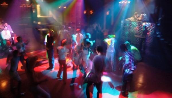 Trzy etapy klubowej imprezy