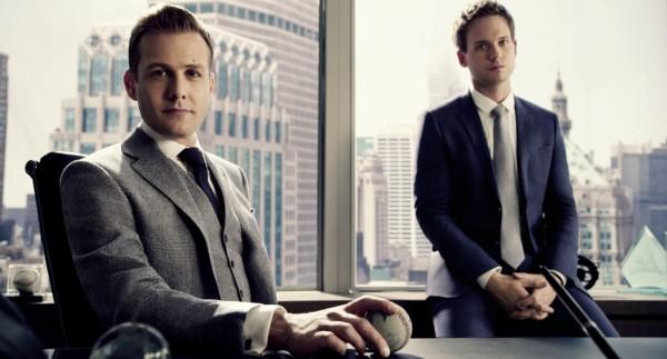 """Zaraź się życiem w stylu """"Suits""""…"""